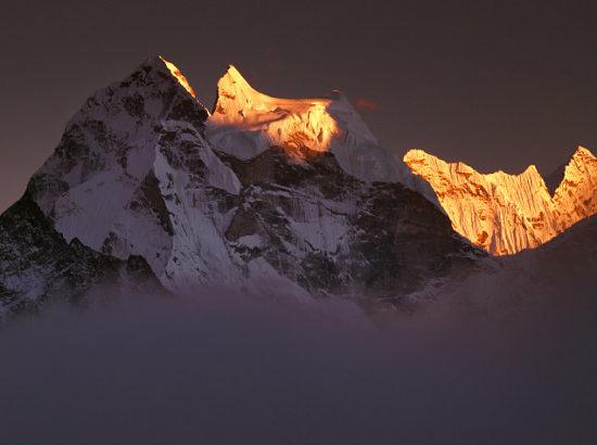 Kangtega Peak Climbing