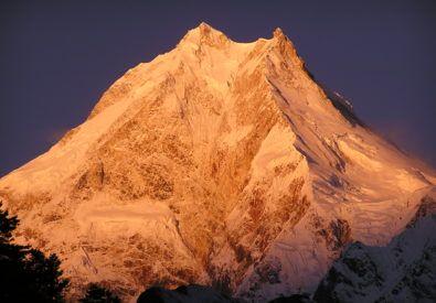 Manaslu Circuit Trek – 19 Days